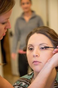 onsite hair, onsite makeup, wedding hairstylists, wedding makeup, on location hairstylist, cincinnati makeup artists, airbrush makeup, wedding makeup, wedding hair, fake lashes
