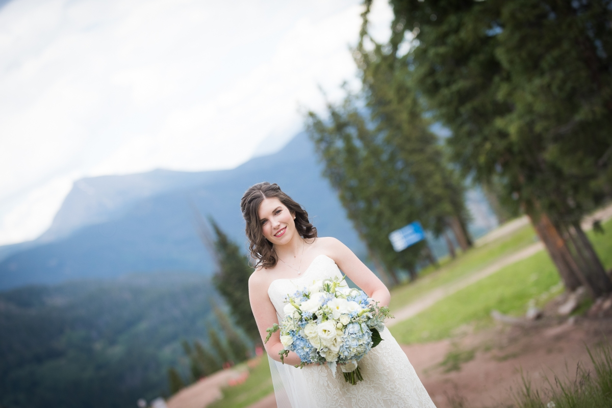 Mountain Wedding, Mountain Bride, Summer Wedding, Outdoor Wedding, Outdoor Ceremony, Rollers and Rouge, Bridal Portraits