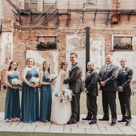 Kentucky Spring Bridal Party